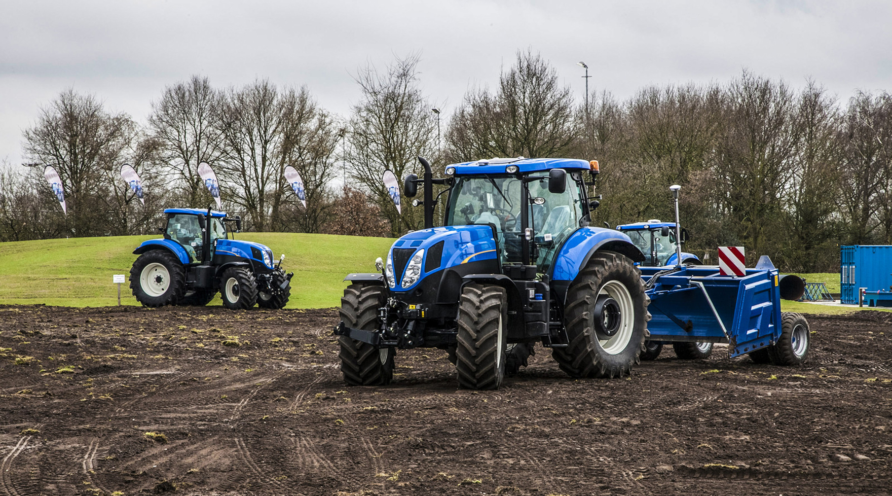 Spare-parts for New Holland farm equipment. Agricultural Tractors, Forage Harvesters, Combine Harvesters, Balers, construction machinery, Telehandlers, front loaders.